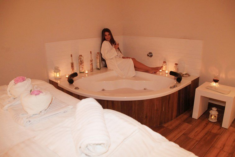 Harlington  Ashkelon Spa - Jacuzzi